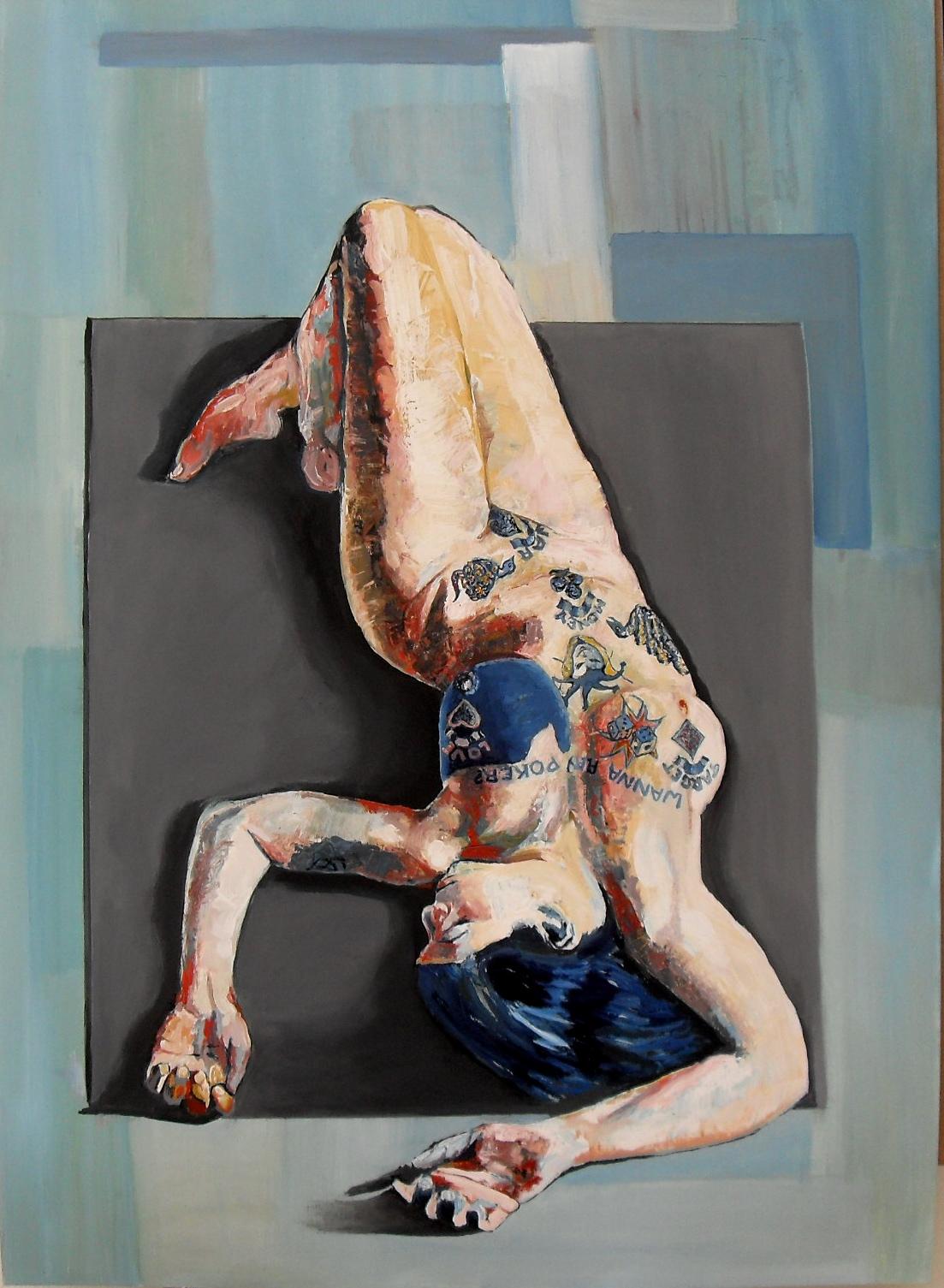 """Peinture huile. Portrait d'une femme allongée au buste tatoué de jeu de cartes et de dés et d'un message : """"wanna play poker ?"""""""